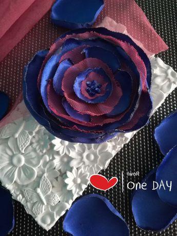 Kwiat z tkanin, broszka, ozdoba do żakietu, bluzki, firany, zasłony