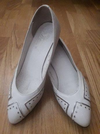 Белые свадебные кожаные туфли 37 р-ра 24.5 см