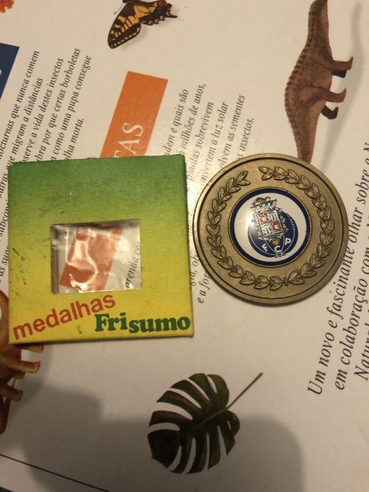 Medalha frisumo futebol clube do Porto Mafamude E Vilar Do Paraíso - imagem 1