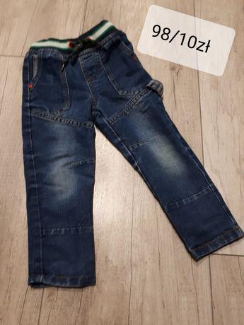 Spodnie i bluzy 98