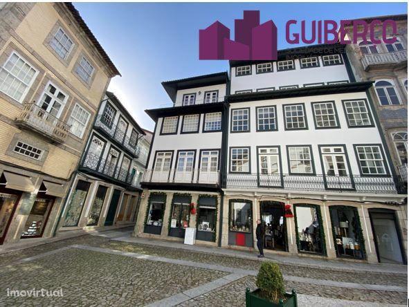Apartamento  T1+1  - Prédio em Centro Histórico de Guimarães