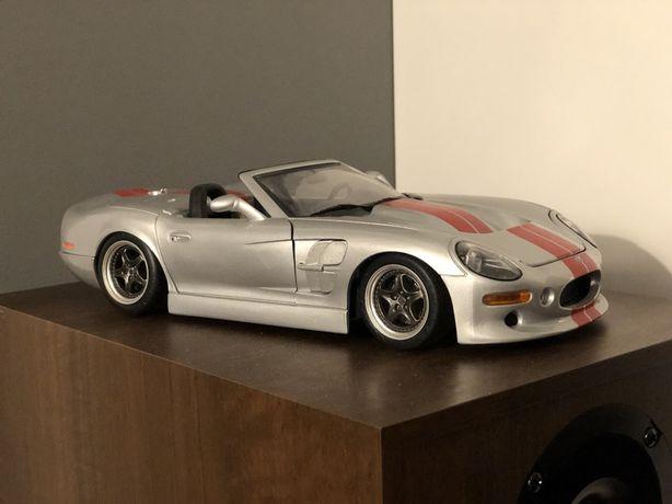 Model Shelby Series 1 1:18 Bburago