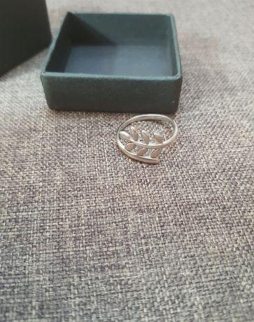 Srebrny pierścionek Picky Pica rozmiar 18