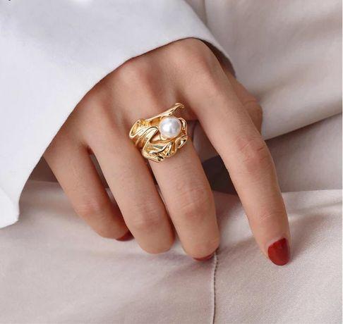 Барочное кольцо с жемчужиной р.16,5