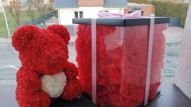 Rose Bear miś z Róż Misia 40 cm Pudełko z płatkami róż