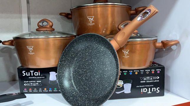 Набор кастрюль и сковоролка. Кастрюли 1,4л, 2,8л, 5л. Сковорода 24 см.