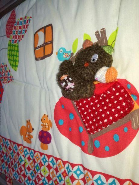 piękny ochraniacz do łóżeczka ebulobo
