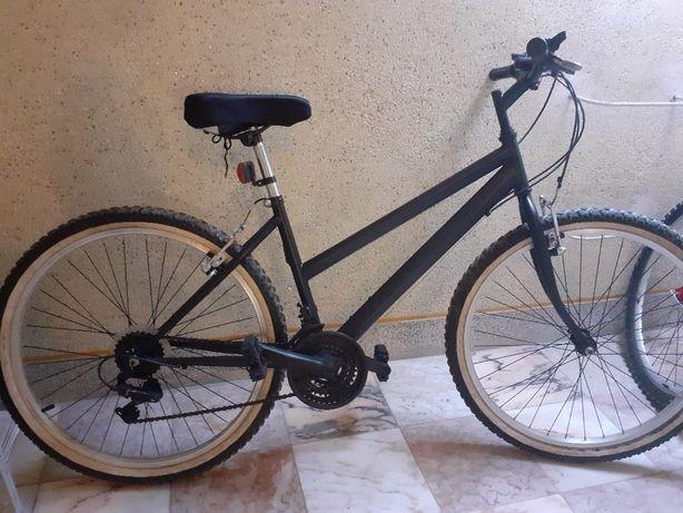 Bicicleta usada restaurada