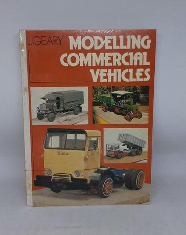 Książka ''Modelartwo - samochody ciężarowe'' L. Geary Great Britain