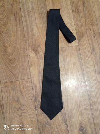 Klasyczny czarnym krawat