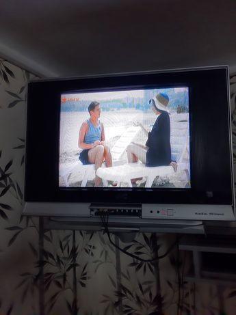 Продам телевизор маленький на кухню.