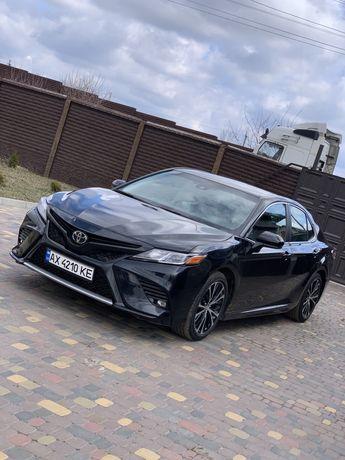 Продам Toyota Camry SE 2018