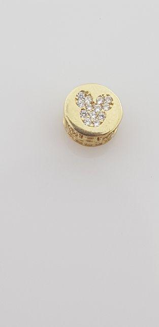 Złoty charms Pandora