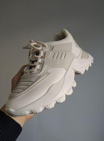 Женские белые кроссовки не Найк, Адидас