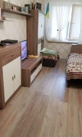 LF-5. 2- комнатная на Паустовского
