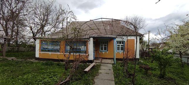 Будинок/дача/дом/хата в селі