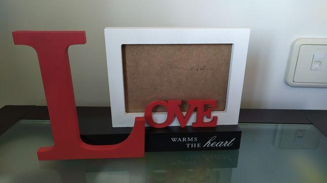 """Moldura """"Love warms the heart"""""""