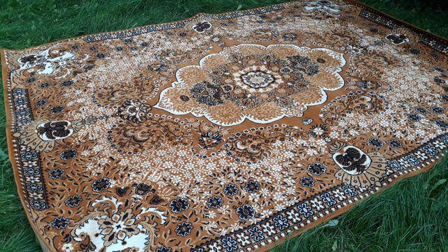 dywan wełniany piękny