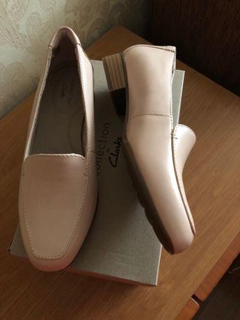 Продам женские туфли Clarks