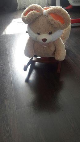 Детское кресло качалка заяц