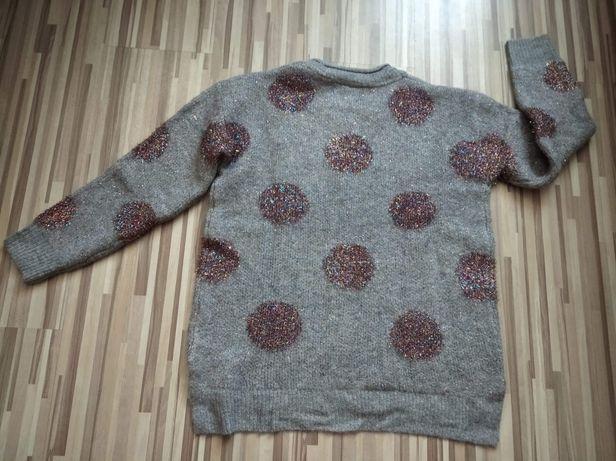 Sweter szary z brokatowymi kółeczkami