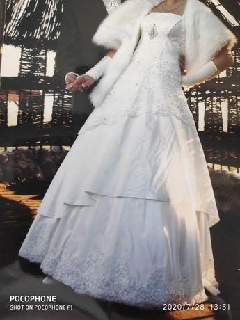 Sukienka , suknia ślubna na wzór Kivor Herms 36/38