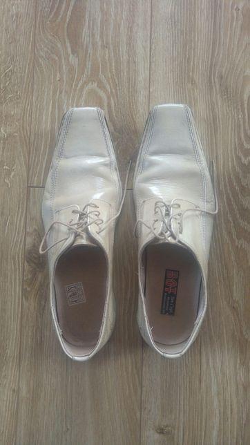 Buty eleganckie beżowe roz 43 (26,5)