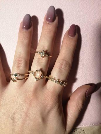 Zestaw 22 pierścionków