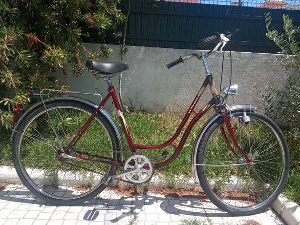 Bicicleta Winora Touring clássica senhora vermelho roda 26