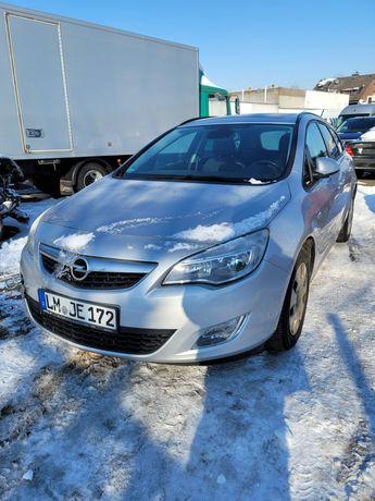 Opel Astra 1.4 Benz. 140 KM 2012 ROK