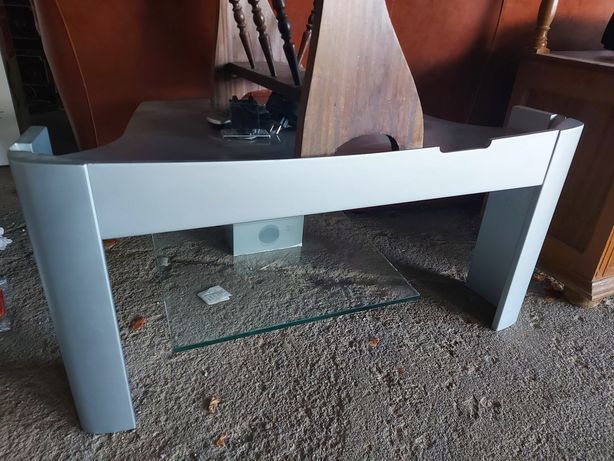 Mesa televisao para desocupar