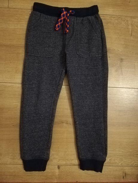 Cool Club spodnie dresowe potworek rozm 122/128