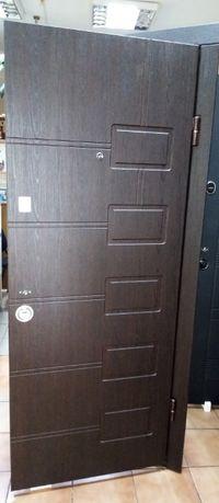Дверь входная внутренняя ПБ-21 Beнгe cтрyктyрный