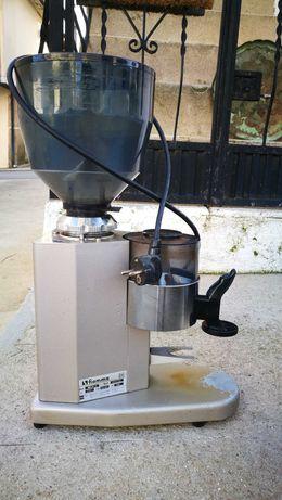 Moinho de café.