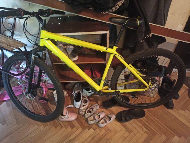 Горный велосипед. Колес 27 дюймов.
