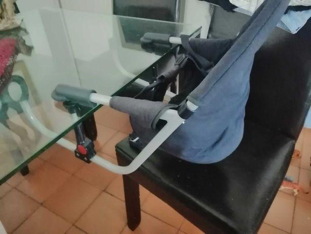 Cadeira de prender à mesa para bebé em excelente estado!