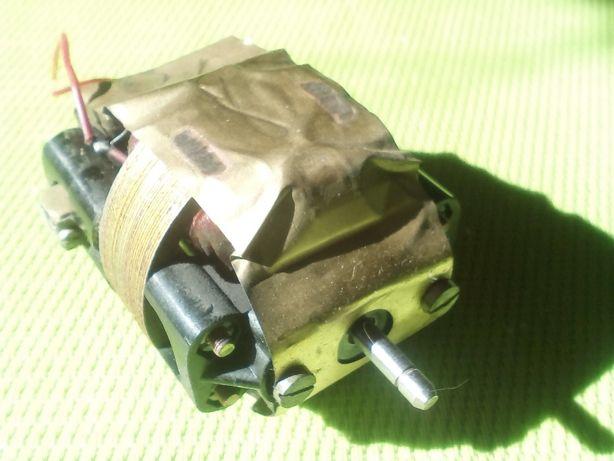 электродвигатель от фена сюрприз(ссср)