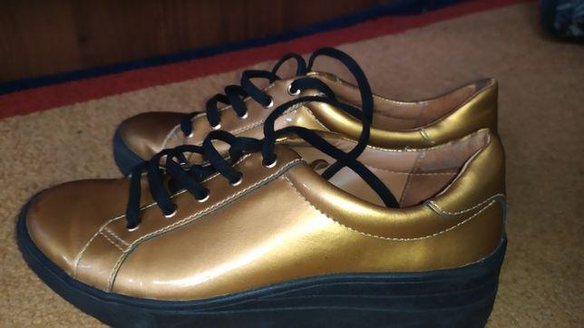 Sprzedam super buty firmy KAZAR kolor złoty rozmiar 34