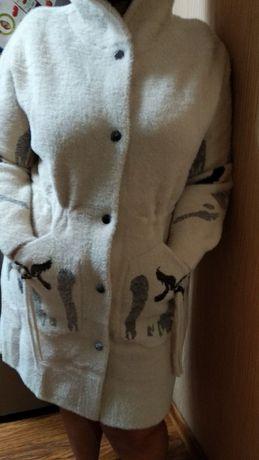 Шикарное НОВОЕ пальто из Альпака с капюшоном
