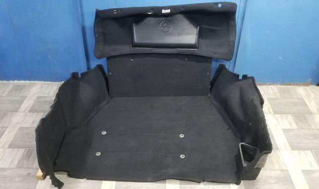 Комплект обшивок багажника на BMW E34