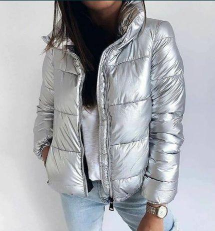 Стильная демисезонная куртка S