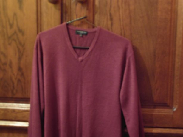 Męski sweter bordowy w serek XL