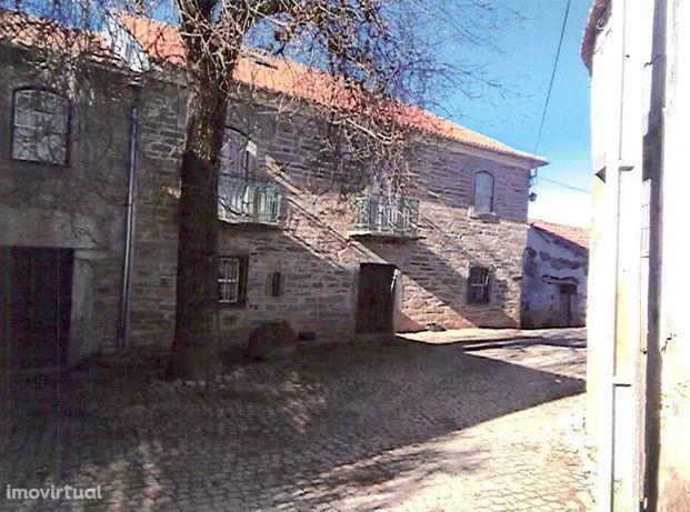 Quinta Trás dos Montes com moradia T6 do século 18