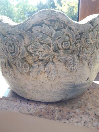 Piękna donica  gliniana -róże vintage