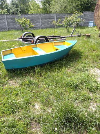Лодка .човен.Срочно Продам човен лодку