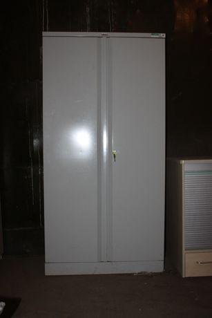 Продаю б.у металлический шкаф(количество)