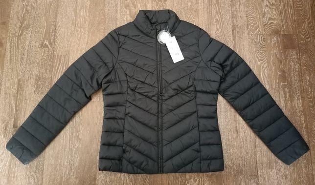 Nowa kurtka wiosenna puchowa damska 4F rozm.M czarna KUDP300