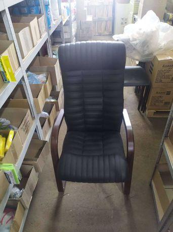 Кресло руководителя ATLANT Extra кожа (LE) (черное) дерево