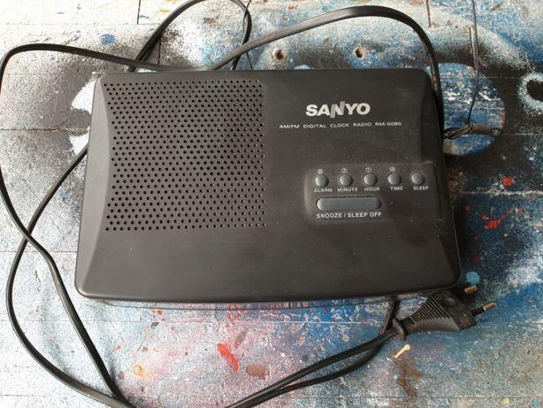Despertador radio Sanyo