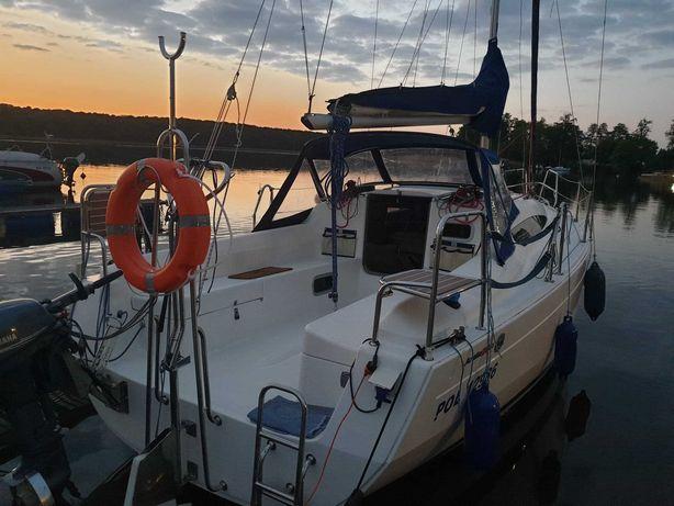 Czarter  jachtu Jeziorak  Antila 26 cc